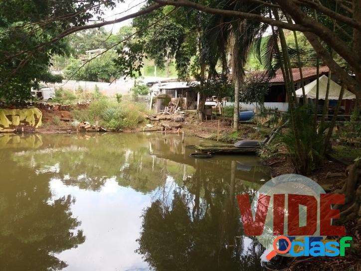 Chácara com 1700 m², à 10 minutos do Satélite, no bairro Capuava, em SJC