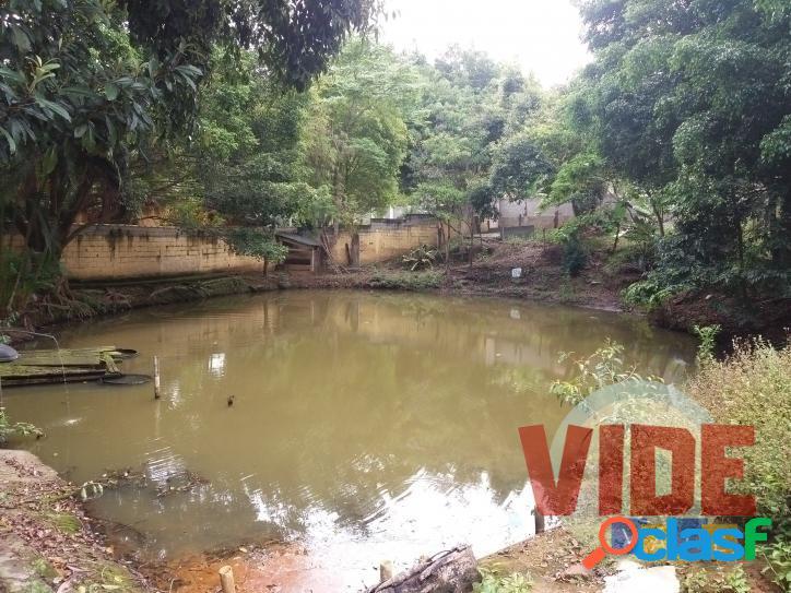 Chácara com 1700 m², à 10 minutos do Satélite, no bairro Capuava, em SJC 1