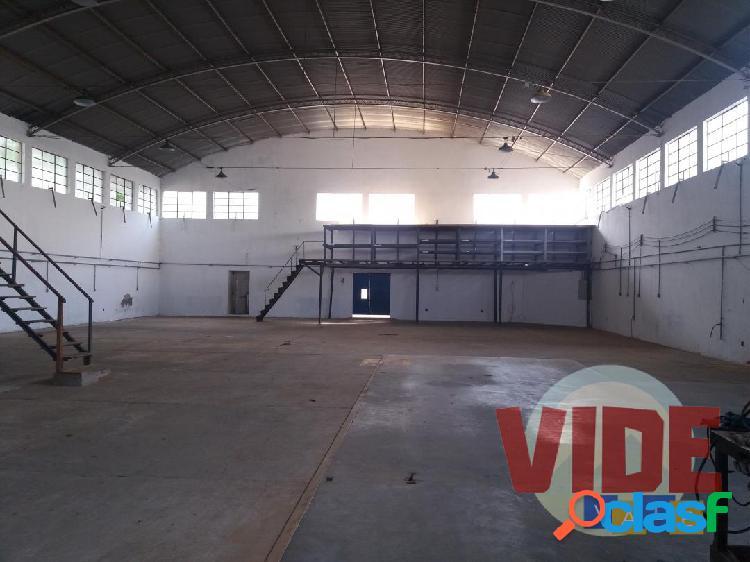 Chácaras Reunidas: Galpão com 600 m², bairro industrial, próximo à Dutra, em São José dos Campos 1
