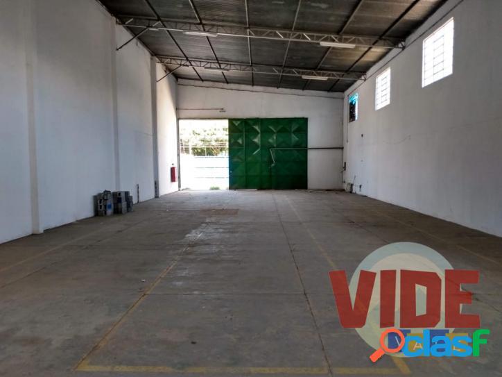 Galpão com 360 m², no bairro industrial chácaras reunidas, em sjc
