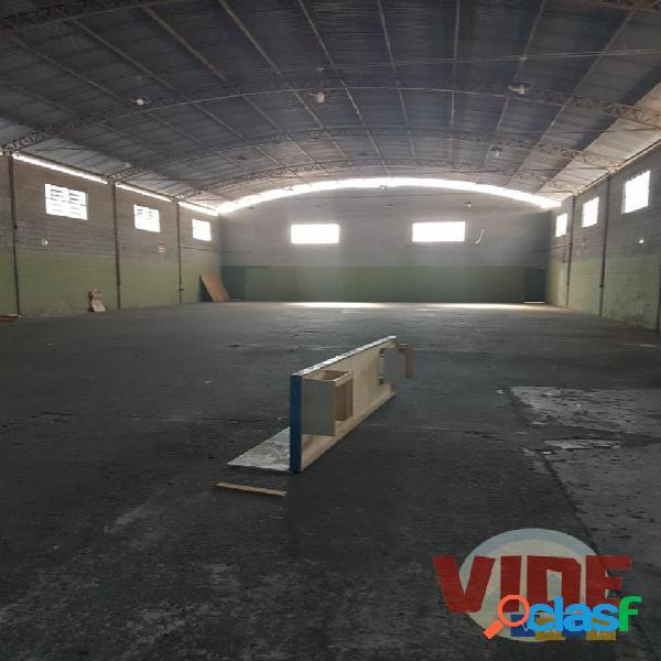 Galpão com 450 m², no bairro industrial chácaras reunidas, em sjc