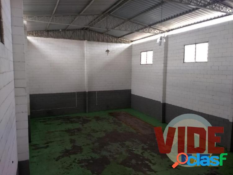SJC: Galpão na zona sul, 200 m², próximo ao Eldorado e Chácaras Reunidas 1