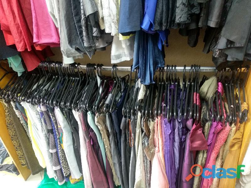 fardo de roupas usadas com 300 peças 1