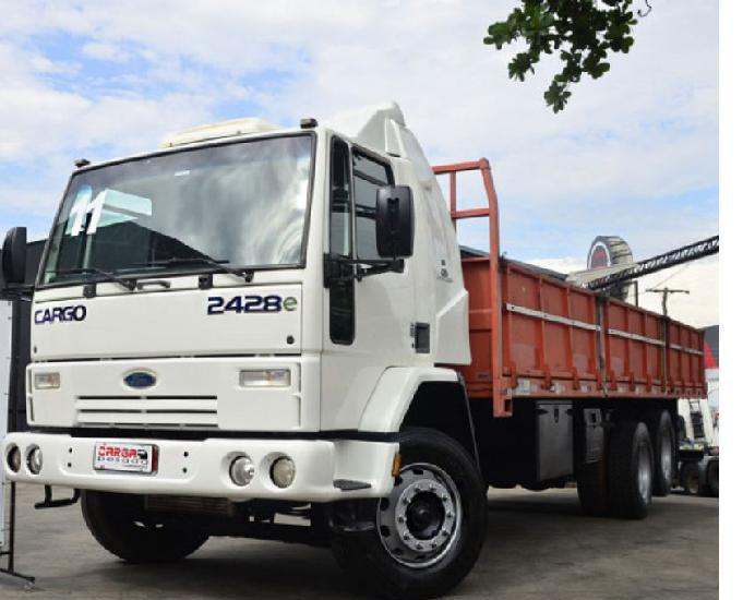 Ford cargo 2428 6x2 carroceria