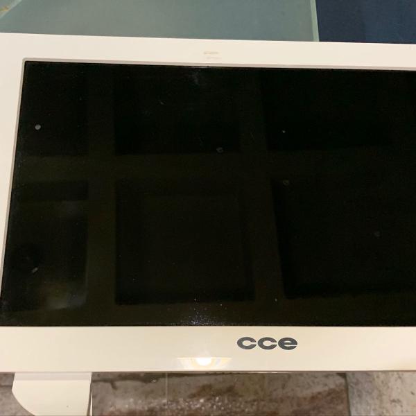 Tv cce led 14 + controle + suporte mesa