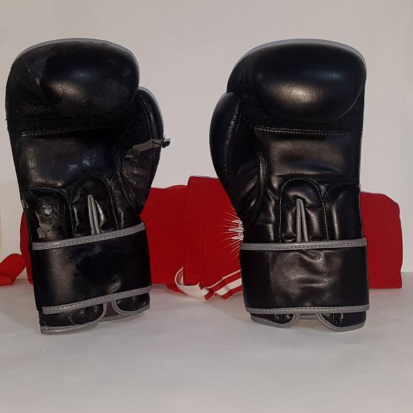 Luva de boxe mks preta/cinza uma com avaria + protetor
