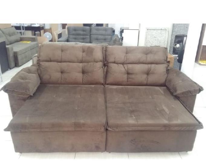 Sofá de 2,60 metros, retrátil e reclinável.
