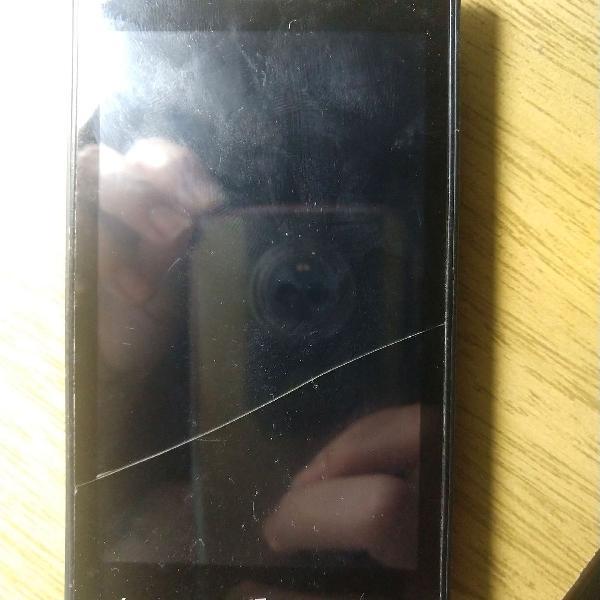 Celular smartphone nokia lumia 520 para retirada de peças