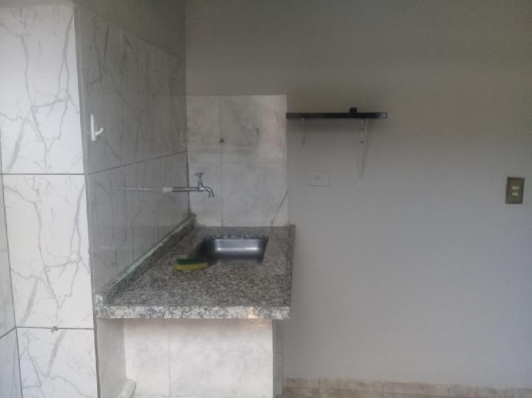 Comodo com banheiro e wifi
