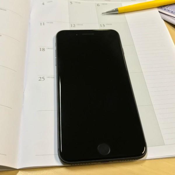 Iphone 8 plus 64gb e adaptador dublo