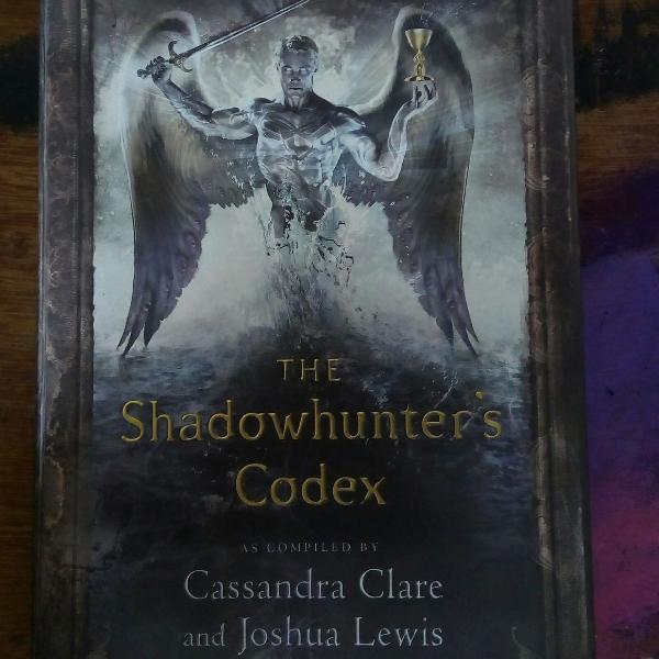The shadowhunter's codex - livro códex dos caçadores de