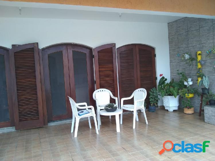 Linda casa 3 dormitórios-ótima localizaçao- praia dos sonhos em itanhaém-sp