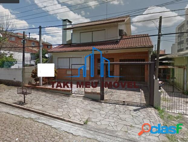 Casa com 4 quartos à venda, 298 m² por r$ 900.000