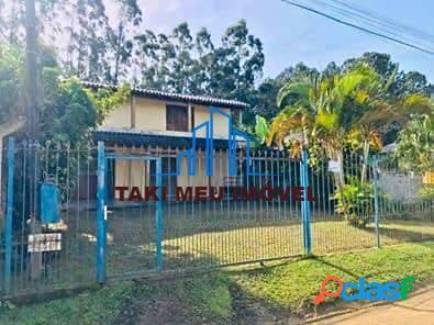 Casa grande com 2 dorm, 2 banheiros, garagem, terreno 12x29, zona sul
