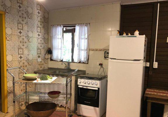 Linda casa mobiliada em camburi - sertão do piavú -