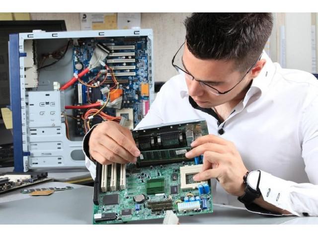 Assistência técnica de equipamentos de informática