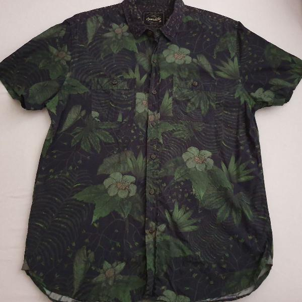 Camisa armadillo preta mc floral em tons de verde m original