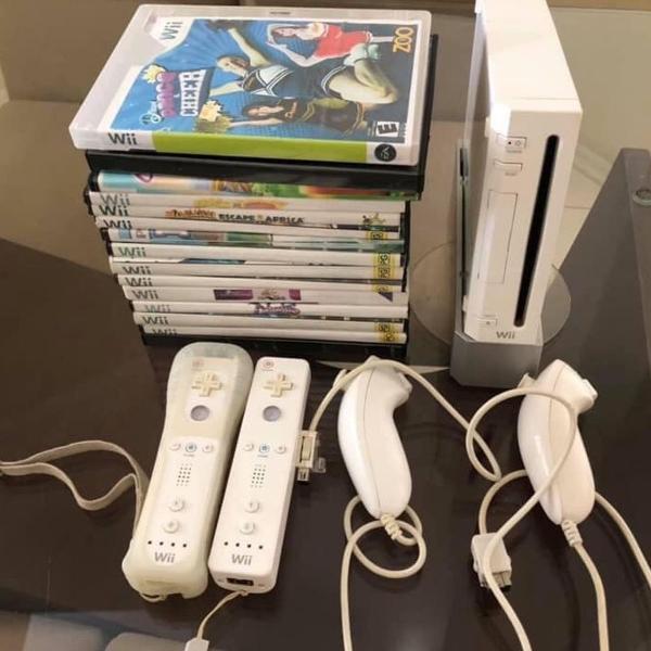 Nintendo wii + wii fit plus + 15 jogos