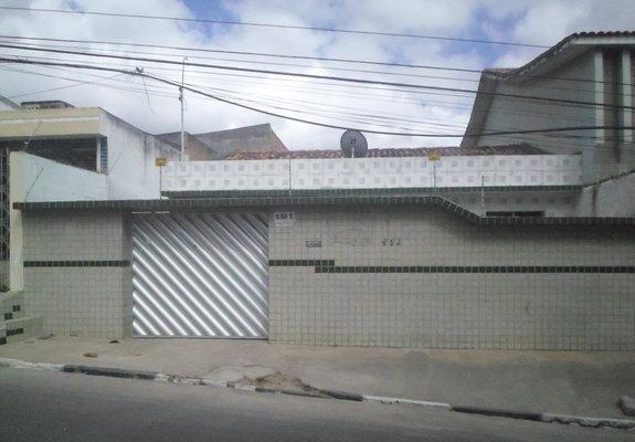 Casa com 3 dormitórios e suíte petrópolis caruaru