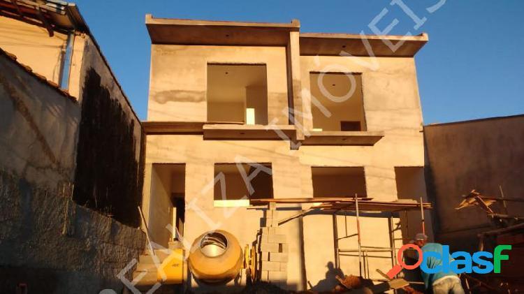 Casa com 2 dorms em Poços de Caldas - Jardim Itamaraty V por 190 mil à venda