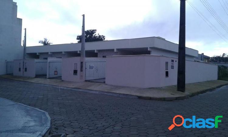 Casa com 2 dorms em balneário piçarras - itacolomi por 150 mil à venda