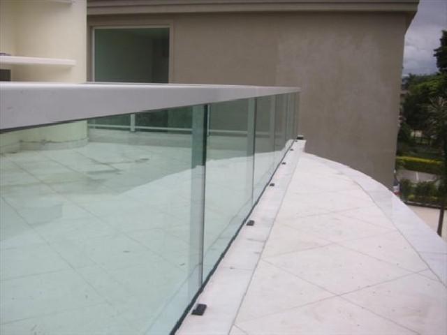 Vidros temperados,cercas e esquadrias alumínio