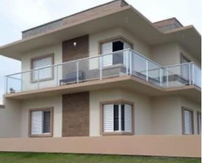 Casa para alugar na praia de Itapituba,Laguna SC