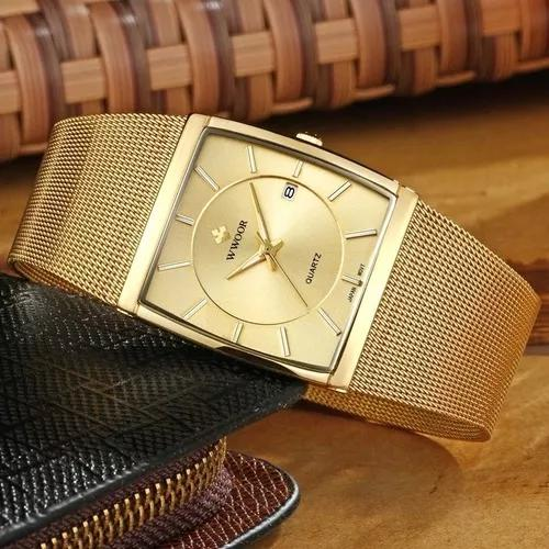 Relógio quadrado dourado de luxo com caixa