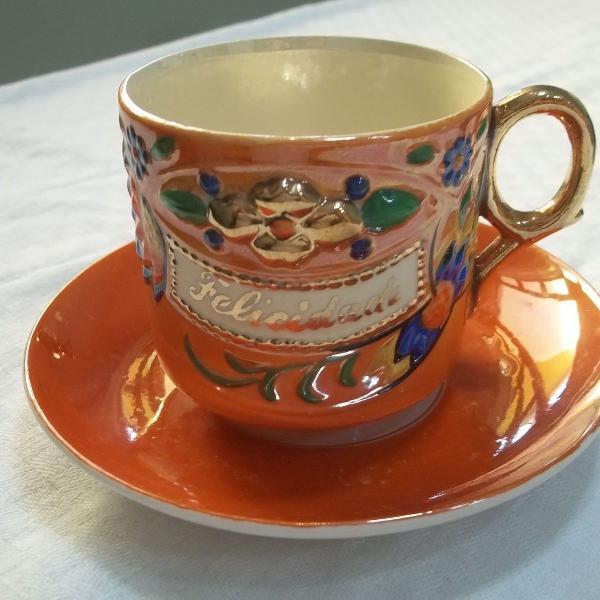 Xícara de chá porcelana casca de ovo felicidade