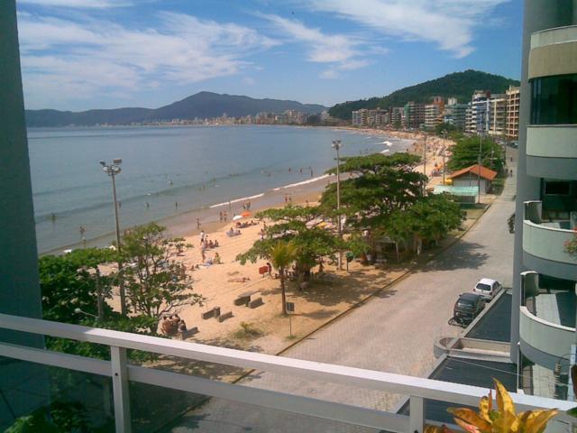 Cobertura paradisíaca praia de itapema- sc