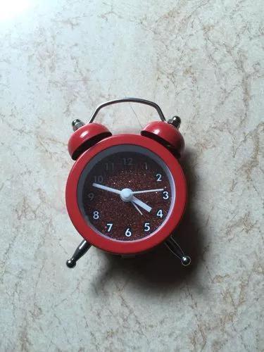 Mini relógio despertador modelo retrô