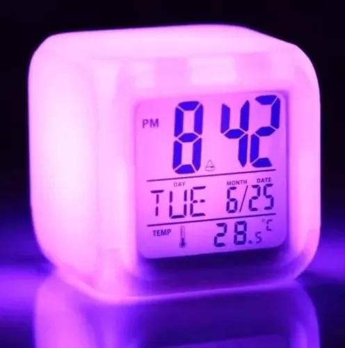 Relógio despertador digital cubo led 7 cores variando