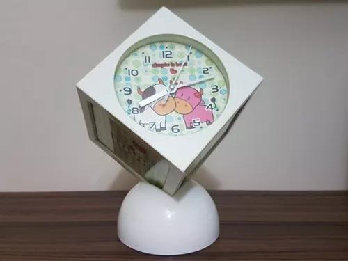 Relógio giratório musical cubo despertador