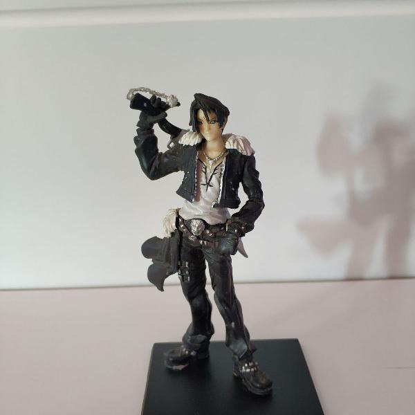 Action figure - squall leonhart (final fantasy viii)