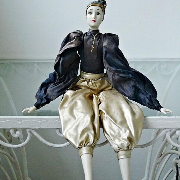 Boneca francesa de porcelana,vintage, anos 20, estilo