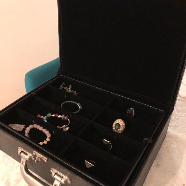 Caixa organizadora de jóias e bijuterias de madeira