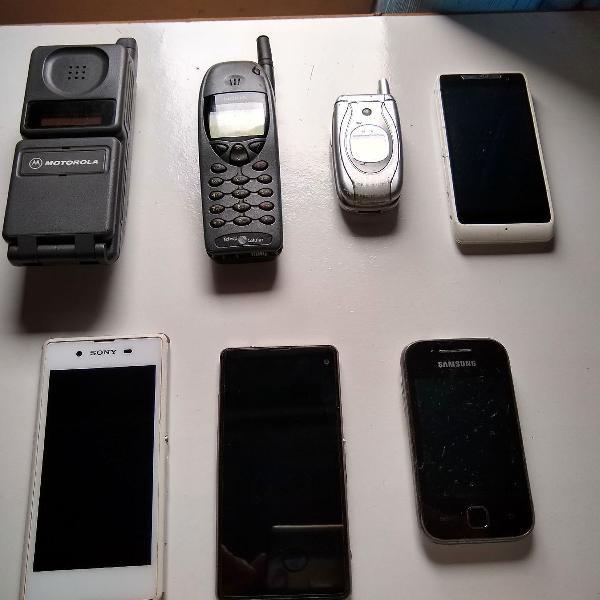 Lote com 7 aparelhos de celulares antigos