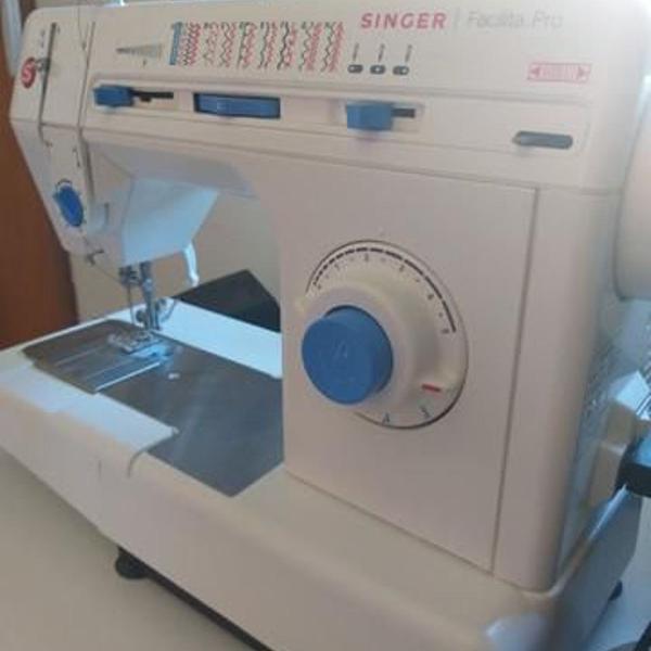 R$ 1.500 máquina de costura singer facilita pró 2918 +