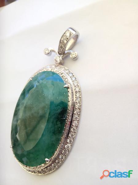 Pendente oval em ouro branco ciclo de brilhantes pedra de esmeralda