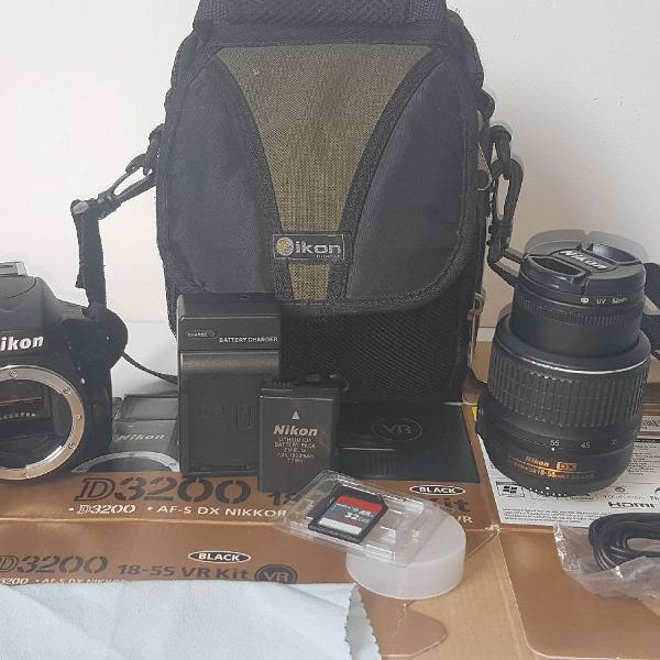 Máquina fotográfica nikon d3200