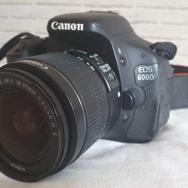 Câmera canon eos 600d (t3i) - pouco usada