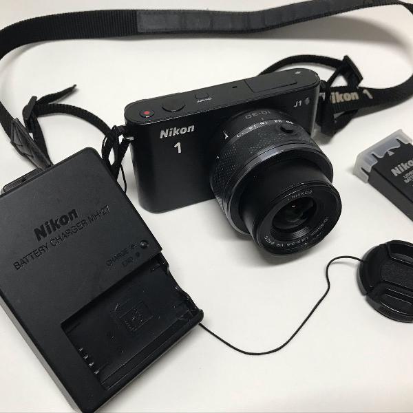 Câmera nikon 1 j1 com lente 10-30mm excelente estado