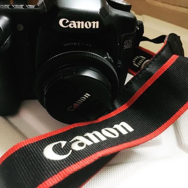 Máquina fotográfica canon eos 50d