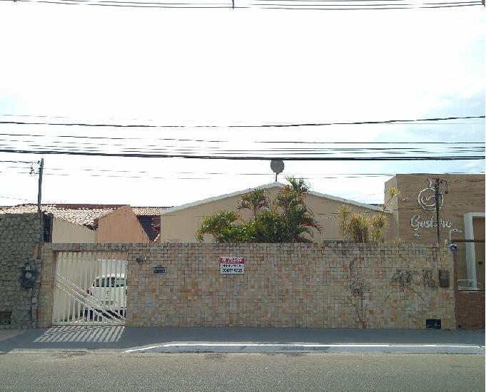 Casa na avenida paulo vi - inácio barbosa