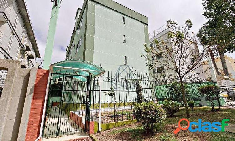 Apartamento na vila isabel, divisa com agua verde, local bem tranquilo.