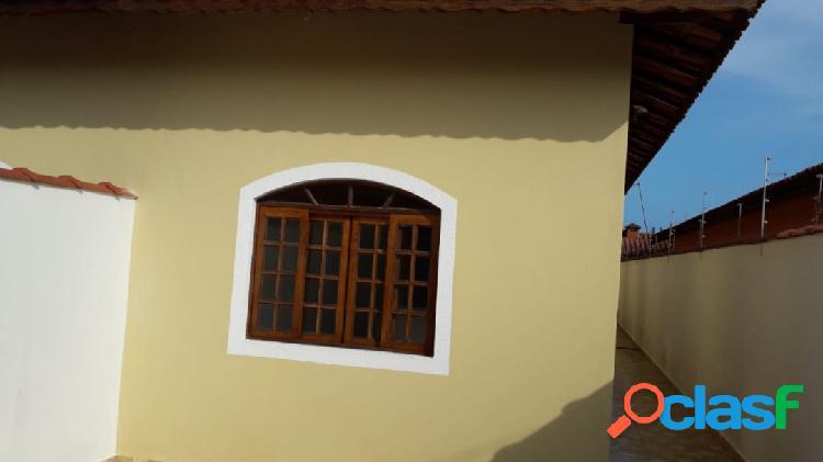 Ótima casa nova geminada a 600m da praia itanhaem s/p