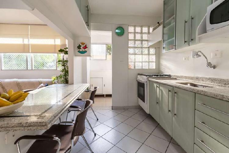 Apartamento com 72m de área útil. ótima localização !