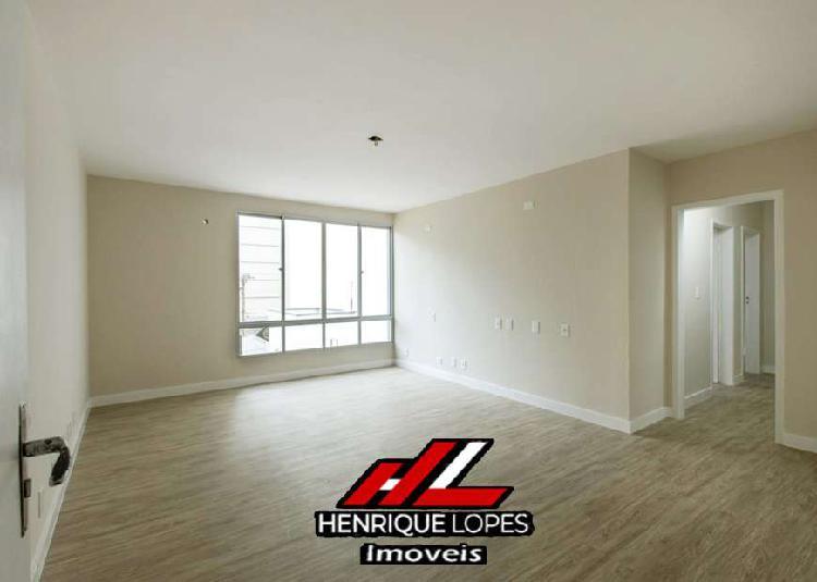 Apartamento frente mar a venda possui 98 m² com 3 quartos