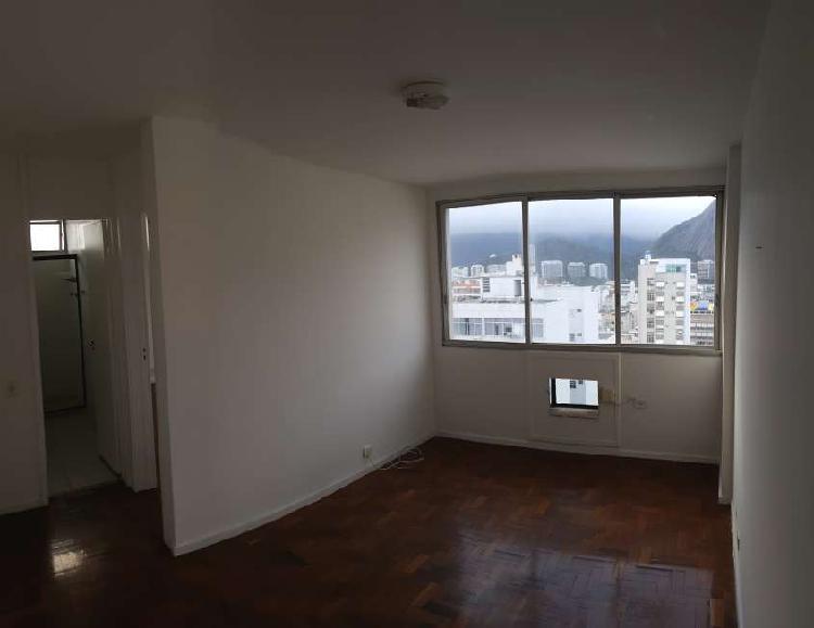 Apartamento quarto e sala amplo em ipanema