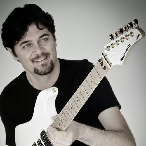 Aulas particulares online de guitarra, violão e baixo